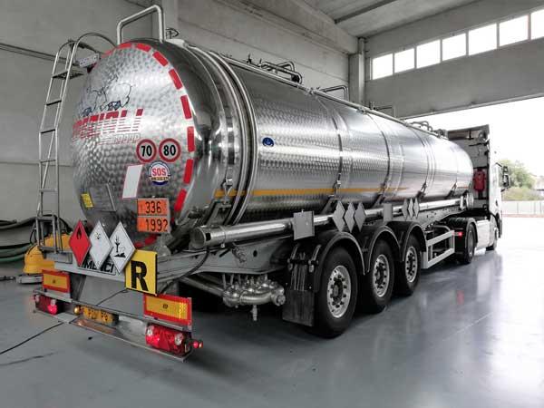 Azienda-trasporto-prodotti-liquidi-brescia