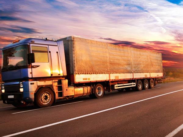Trasporti-con-camion-centinati-alessandria